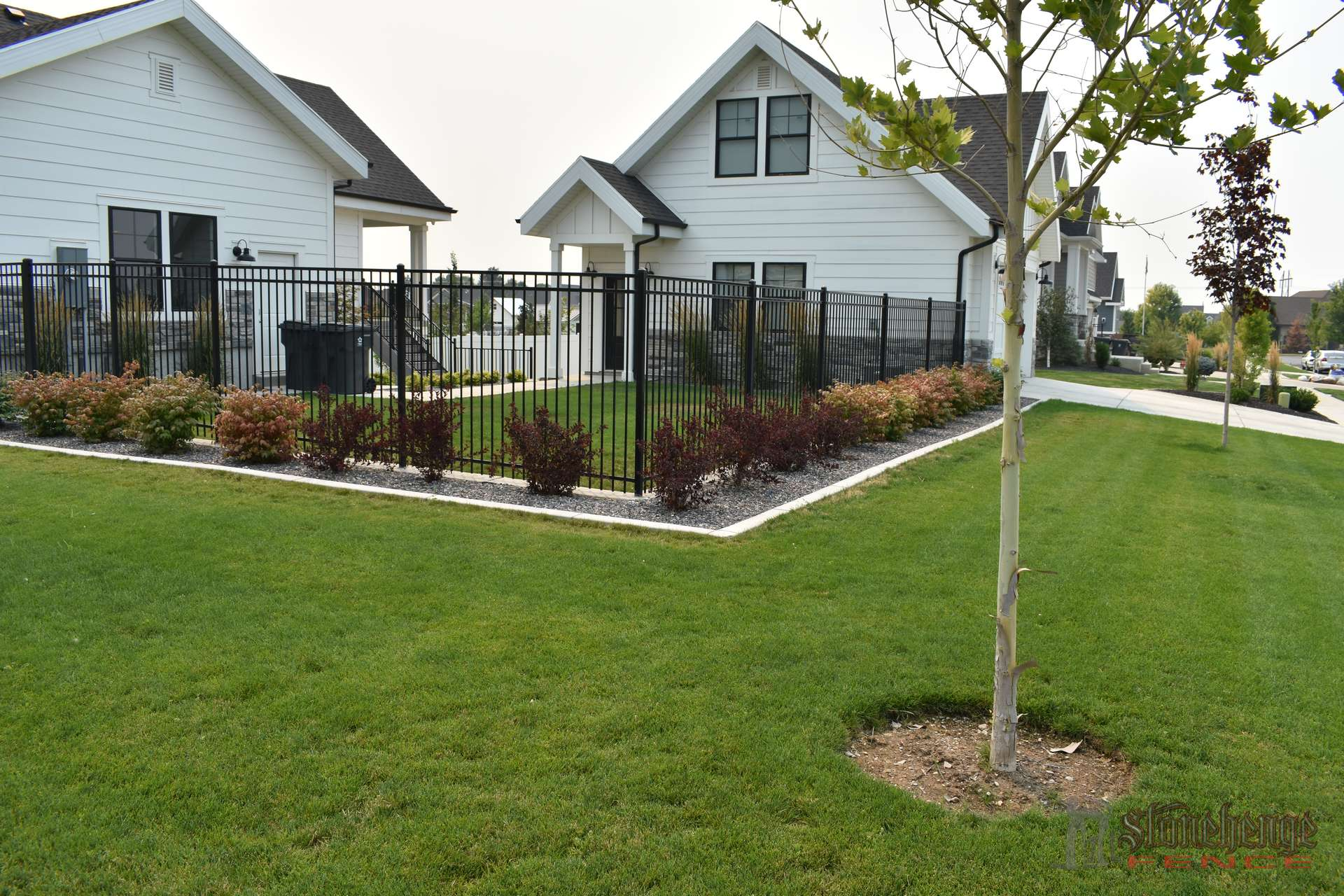 Black Iron Amp White Vinyl Privacy Fence Utah County Vinyl Fencing Utah