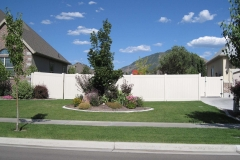 project006_tan-vinyl-ranch-rail-privacy-fence-mapleton_03