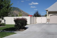 project006_tan-vinyl-ranch-rail-privacy-fence-mapleton_04