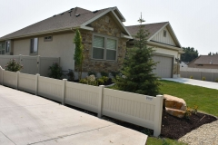 project007_tan-privacy-vinyl-fence-murray_01