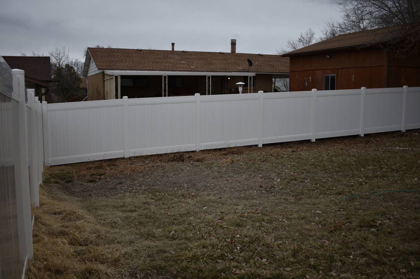 White Vinyl Privacy Fence In West Valley Ut Vinyl