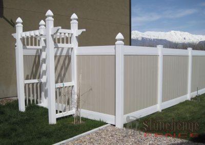 2 Tone Vinyl Fence w/ Arbor – Saratoga Springs, Utah