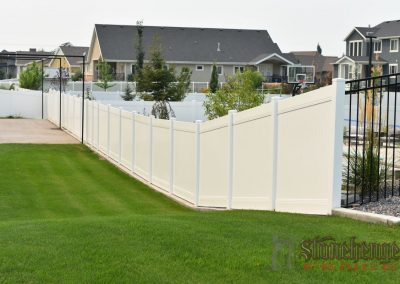 Black Iron & White Vinyl Privacy Fence – Utah County